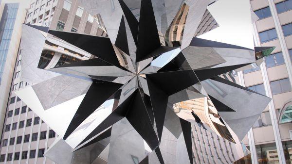 "Skulptur ""Poly Stella"""